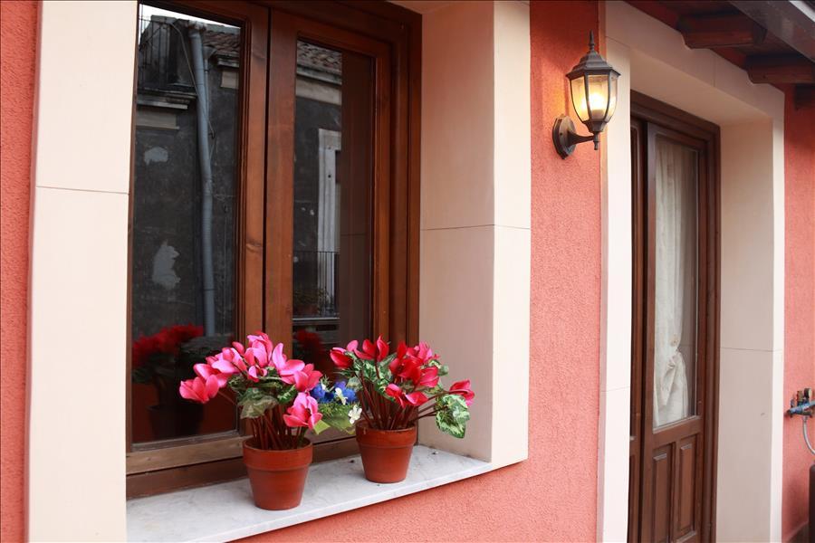 Appartement de vacances Cozy 1bdr apt w/terrace (1920140), Catania, Catania, Sicile, Italie, image 15