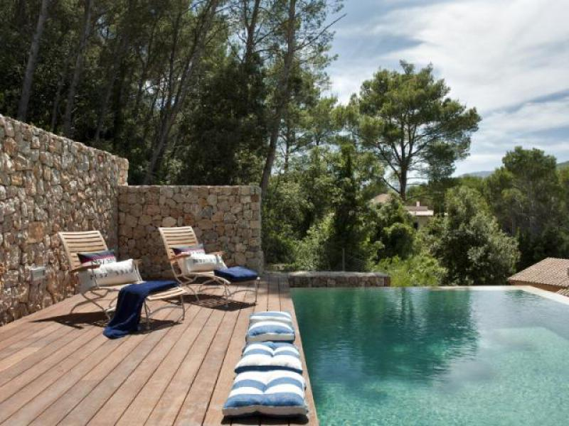 villa gotmar 138 is a holiday villa in puerto pollensa. Black Bedroom Furniture Sets. Home Design Ideas