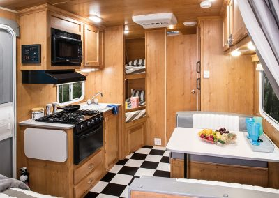 2018-Riverside-RV-Retro-190BH-Travel-Trailer-Kitchen