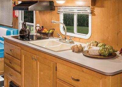 2016-Riverside-RV-Retro-195-Kitchen