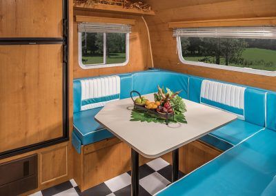 2016-Riverside-RV-Retro-195-U-Shape-Dinette