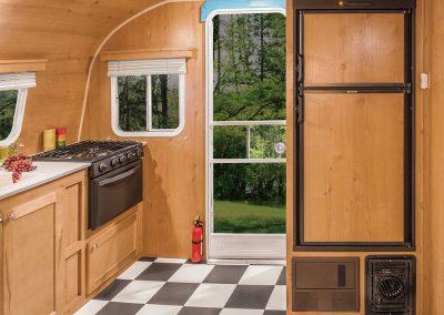 2016-Riverside-RV-Retro-199FKS-Refrigerator
