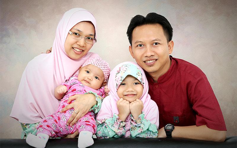 Tantan Hilyatana & Family