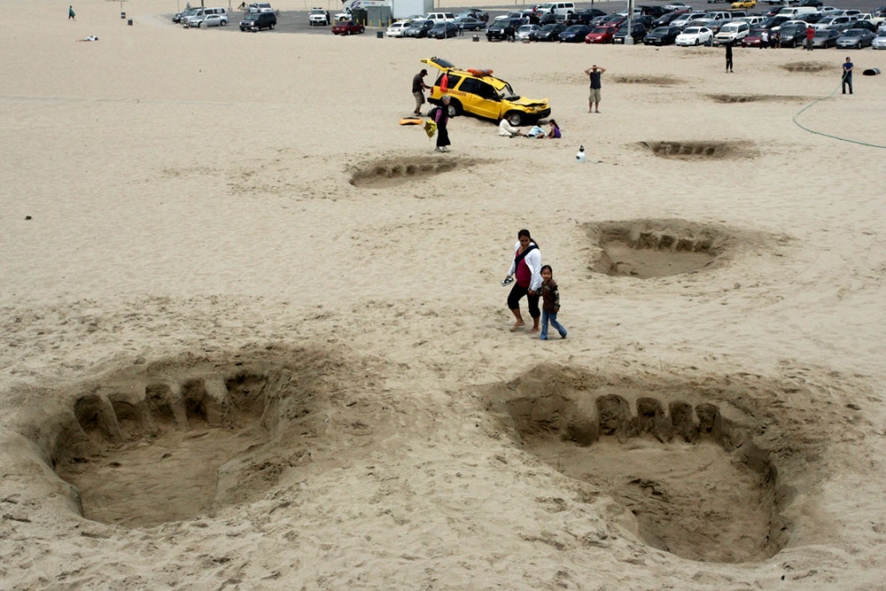 King Kong Foot Prints