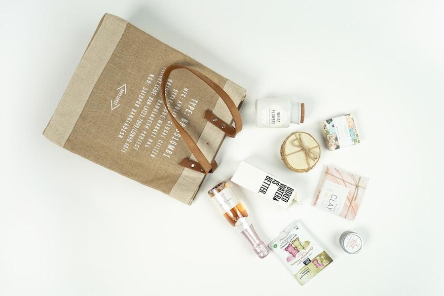 shopping bag loyal customer
