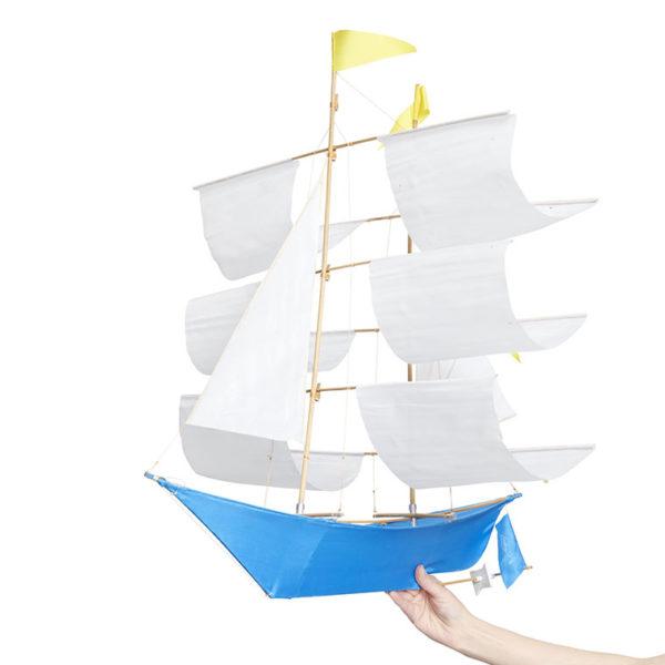 billy-moon-ship-kite