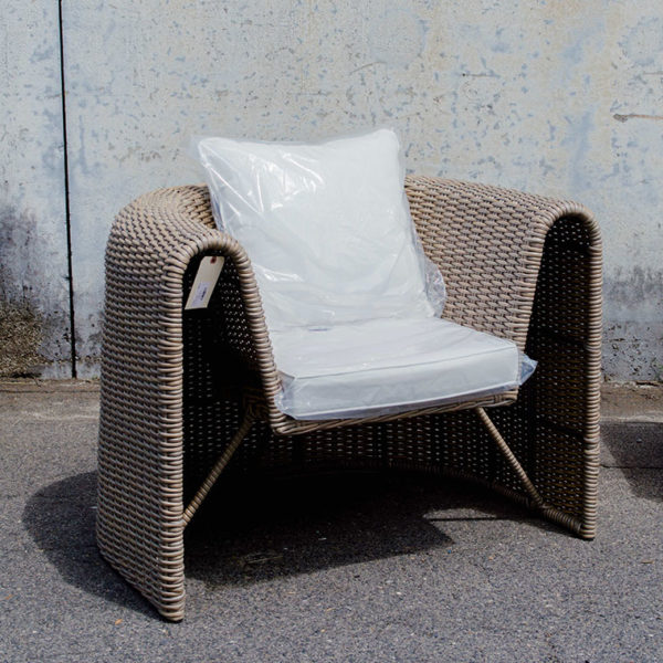 uv-resin-club-chair