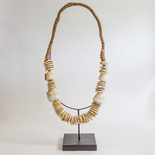 2213 balinese brown shell necklace 1