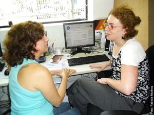 zabel Brunsizian (à esquerda) e Claudia  Charoux (à direita), responsáveis pelo  conteúdo e arquitetura do ambiente virtual de formação, respectivamente
