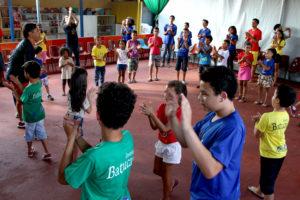 Percussão corporal no Projeto Batucadeiros. Clique para ampliar. Foto: Fotossíntese/Oswaldo Reis.
