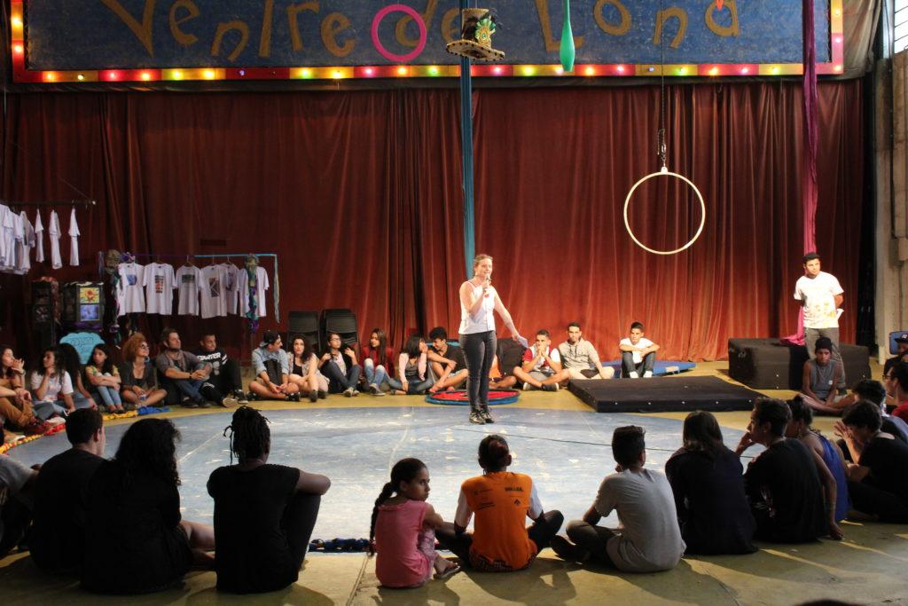 Apresentação dos jovens durante Encontro Público na Cidade Tiradentes