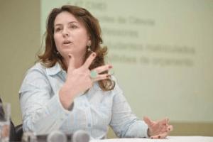 Adriana Sperandio, secretária de Educação do município de Vitória (ES)