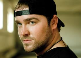 It's not hard to love Lee Brice