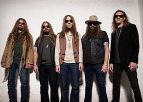 Blackberry Smoke Smoldering On Stage
