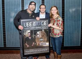 Press Release: Lee Brice Recieves First RIAA Double-Platinum Award
