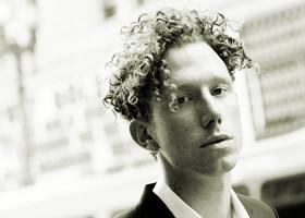 Press Release: Erik Hassle Releases New Video For Latest Single Missing You
