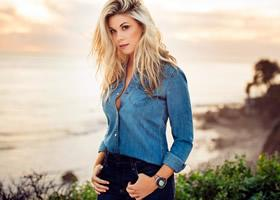 Press Release: Sandra Lynn Returns with New Single For Summer Hey California