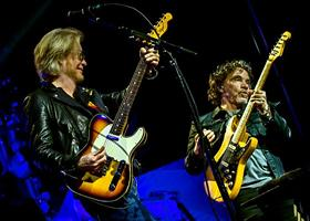 Press Release: Daryl Hall & John Oates Team Up With Red Cross For A Charity Donation