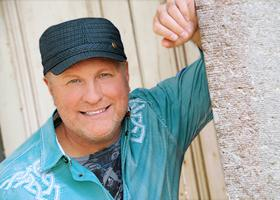 Press Release: Collin Raye signs with Absolute Publicity