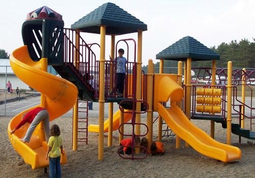 Mcu389 5 playground1lg