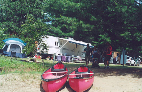 Mcu127 3 canoes