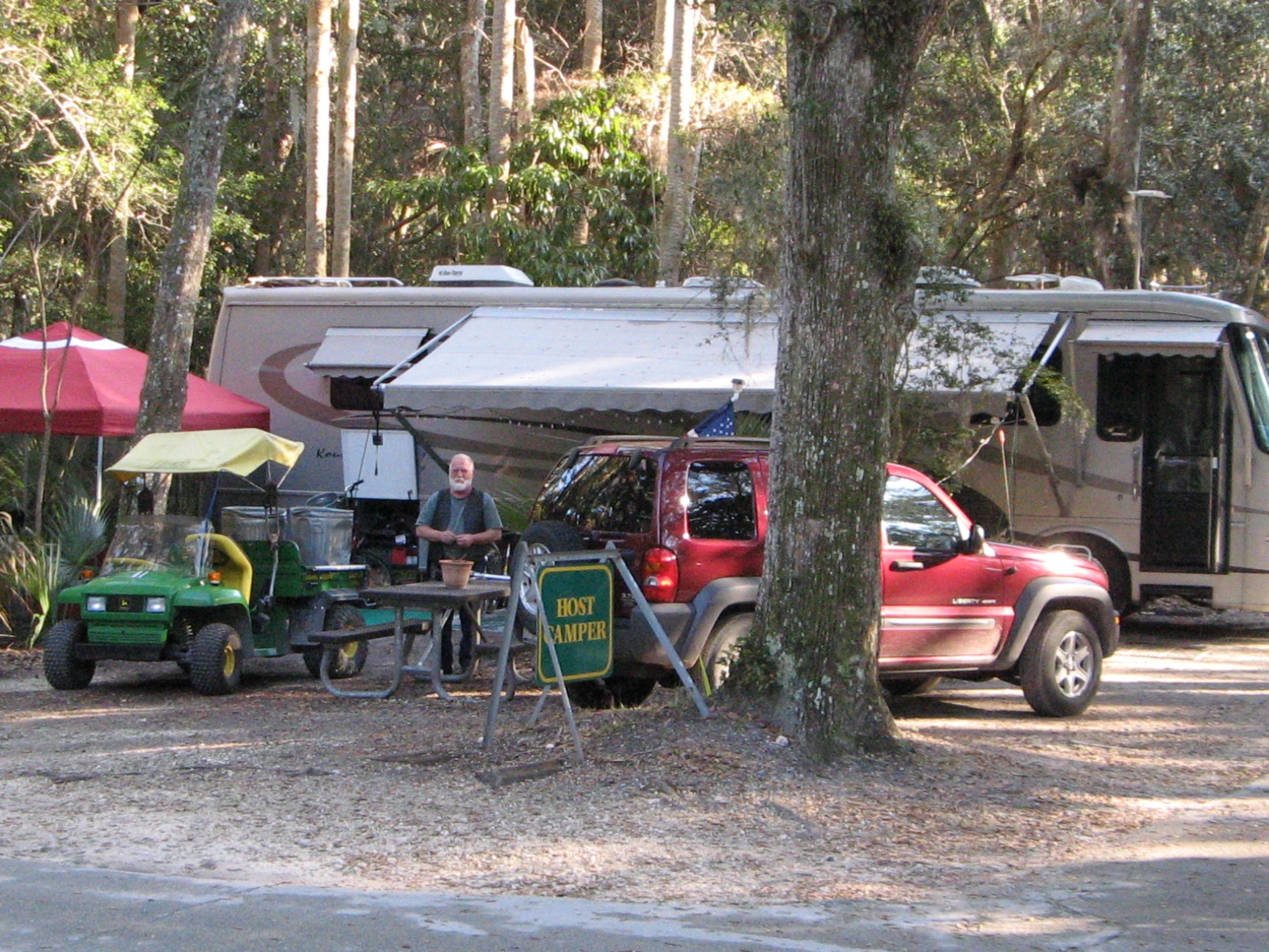 Mcu368 2 host camper