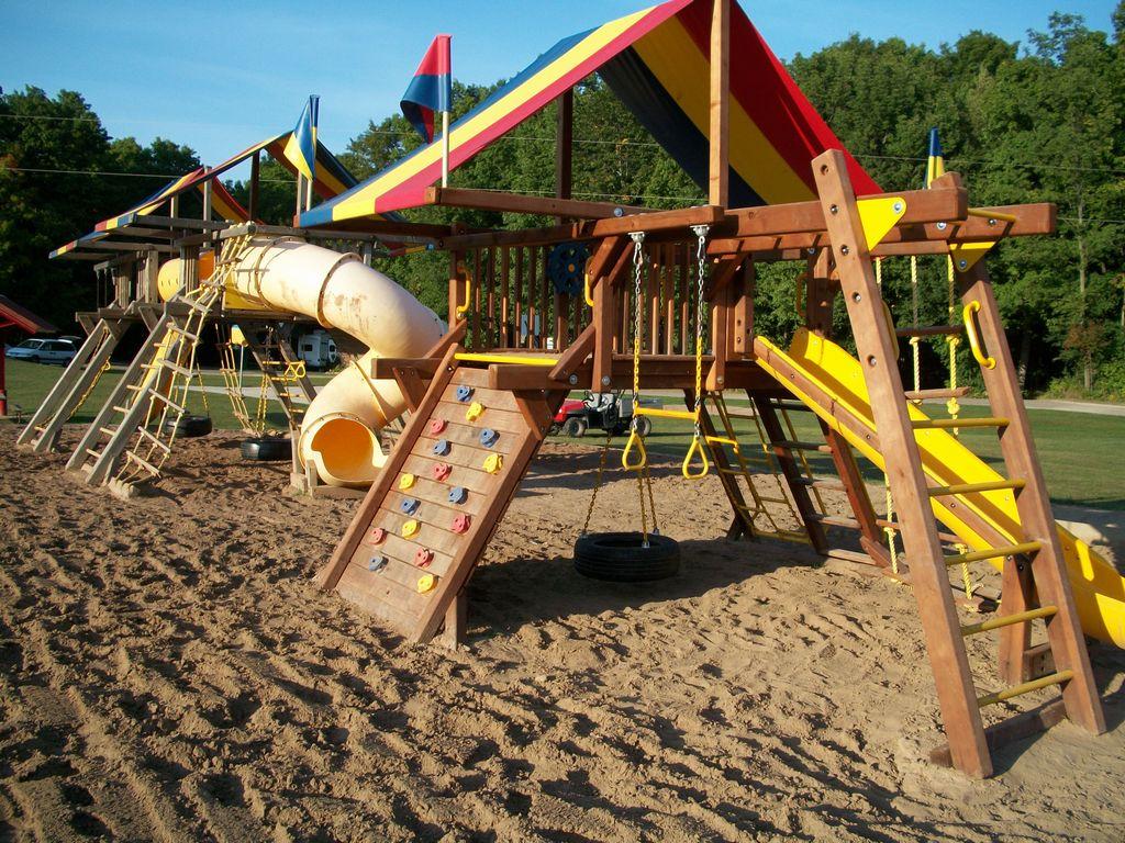 Mc2125 2 playground