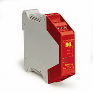 Omron 44510-1011 SR101A01 1 Channel Safety Monitoring Relay; 1 NC Input/2 NO Output, Fiber-Filled Polyamide PA6.6, Red