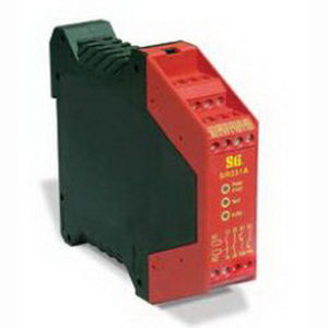 Omron 44510-2310 SR231A00 2 Channel Safety Monitoring Relay; 1 NC -1 NO Input/2 NO Output, Polyamide PA6.6, Red