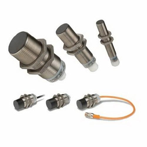Eaton / Cutler Hammer E59-M12A105D01-D2 Iprox Standard Shielded Inductive Proximity Sensor NC 6 - 48 Volt DC 4 mm Sensing Range