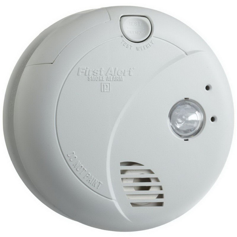 BRK 9120B Photo Smoke Alarm With Escape Light; 120 Volt AC At 60 Hz With 9 Volt Battery Backup, 0.04 Amp, 85 DB At 10 ft Loudness, White