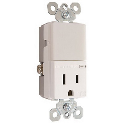 Pass & Seymour NTL-81TRWCC6 Combination LED Nightlight and Tamper Resistant Single Receptacle; 15 Amp, 125 Volt AC