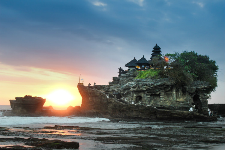 sea temple bali at sunset