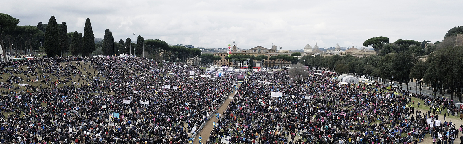 Pro-marriage-demonstration-at-Circus-Maximus-