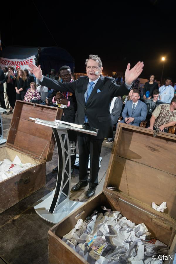 Evangelist Reinhard Bonnke preaches his last gosple message in Africa!