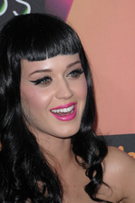 Katy Perry Bio Photo