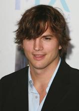Ashton Kutcher Bio Photo