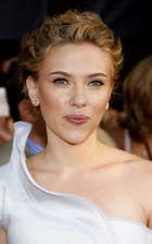 Scarlett Johansson Bio Photo