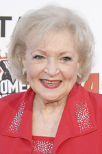 Betty White Bio Photo