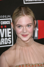 Elle Fanning Bio Photo