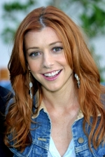 Alyson Hannigan Bio Photo