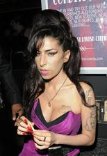 Amy Winehouse Bio Photo