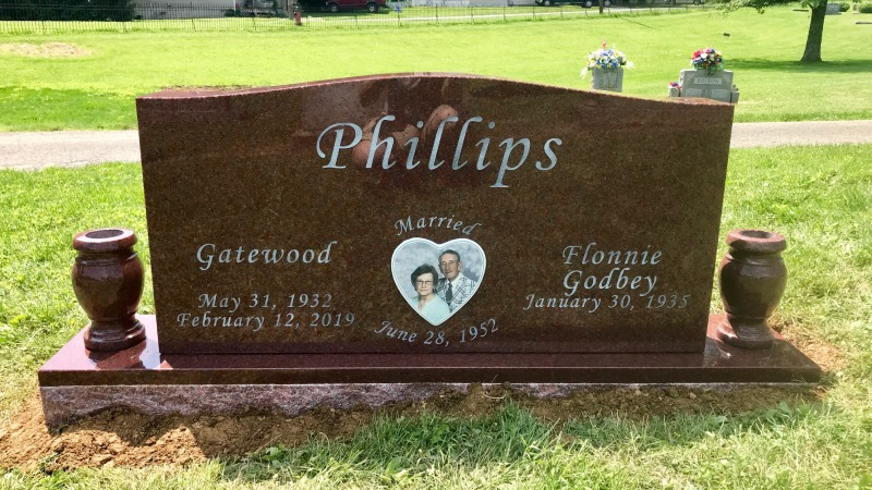 The Monument of Gatewood & Flonnie Godbey Phillips