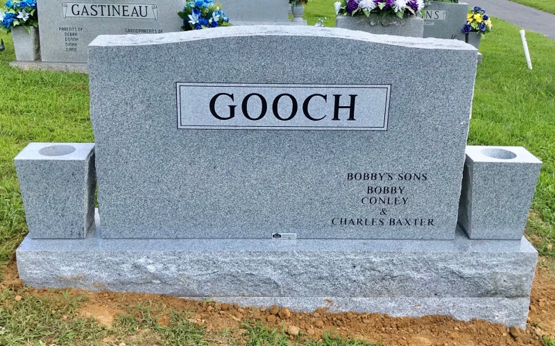 The Monument of Bobby Lee and Robin Royalty Gooch