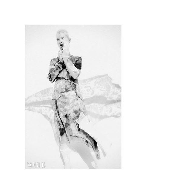 white vogueitalia style real portraits portraitoftheday photovogue photography naturallight muse monochrome model minimalmood minimalism minimalfashion minimal mindtheminimal lookbook instagram flair_bw fashionphotography fashionista fashioneditorial fashiondesigner fashion editorial dreamy bwphotography bw bnwmood