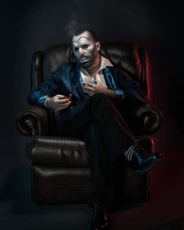 photoshoot sophisticated serious suave photooftheday photographicart clown
