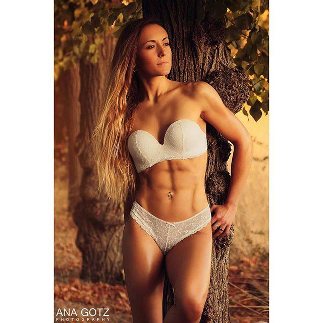 canonlovers📷 muscle teamedgelatino tarragona gym teamedge fitfam bikinifitness barcelona shooting anagotz fitness picoftheday like4like