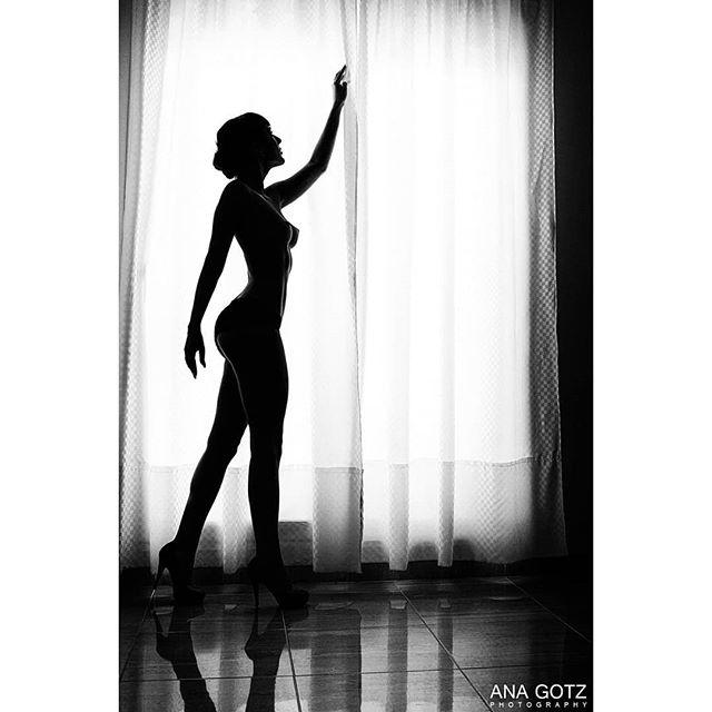 sensual barcelona barcelonaart fotografobarcelona blackandwhite sexy girls woman anagotz photographer shooting sillouette fotografo