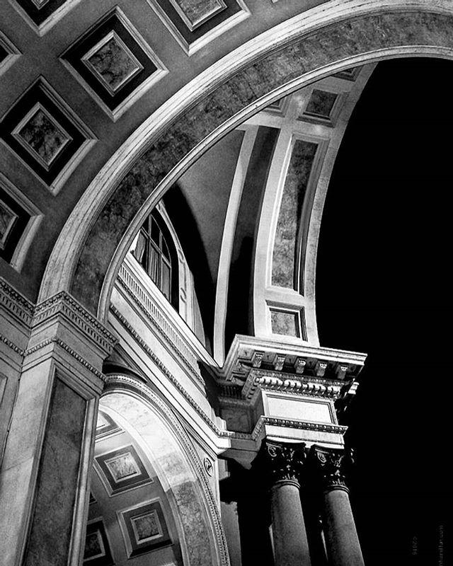 lombardia bnwphotography igersmilano architecture galleriavittorioemanuele bwphotography b_w blackandwhitephotography blackandwhitearchitecture milanomio milano