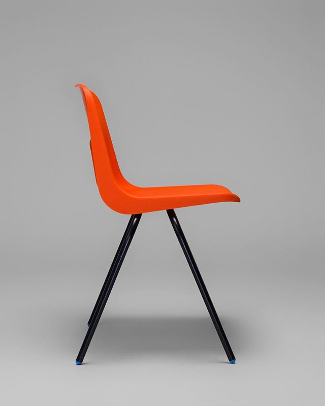 design icon minimal 1971 robinday orange hasselblad photography midcentury studio stilllife chair